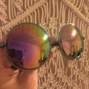 Quay round purple sunglasses